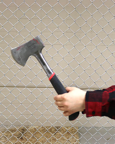 How to throw an axe part 1: Grip the axe